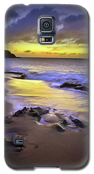 Galaxy S5 Case featuring the photograph The Colour Of Molokai Nights by Tara Turner