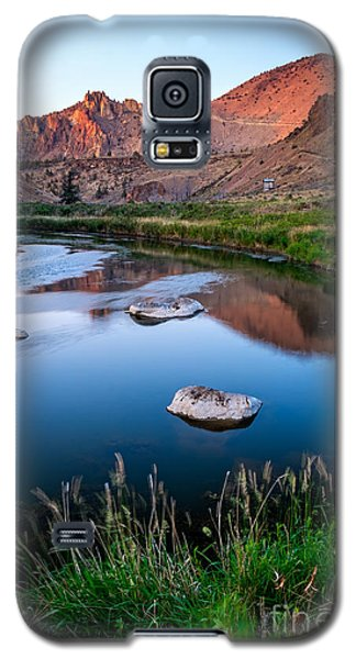 The Crooked River Runs Through Smith Rock State Park  Galaxy S5 Case