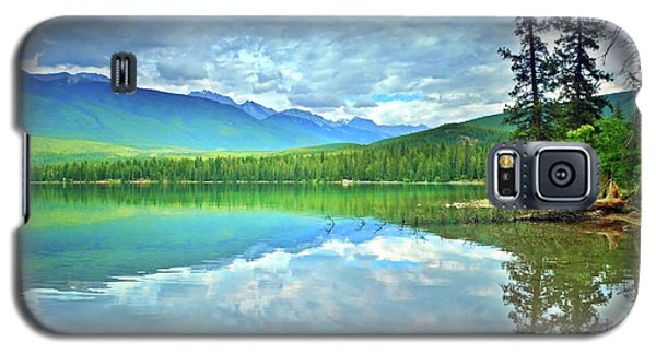 Galaxy S5 Case featuring the photograph The Crystal Waters Of Lake Annette by Tara Turner