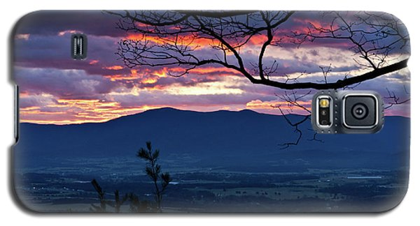 Galaxy S5 Case featuring the photograph The Dawn Of 2017 by Lara Ellis