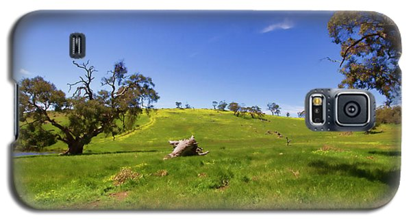 Galaxy S5 Case featuring the photograph The Distant Hill by Douglas Barnard