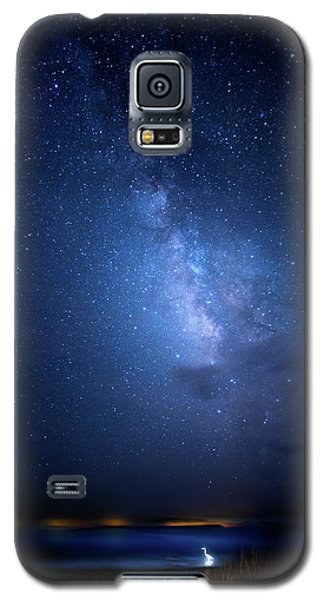 Galaxy S5 Case featuring the photograph The Egret And The Milky Way by Mark Andrew Thomas