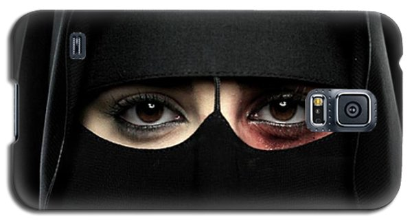 Galaxy S5 Case featuring the photograph The Face Of Saudi by Pg Reproductions