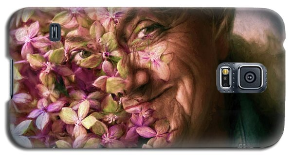 The Gardener Galaxy S5 Case by Jean OKeeffe Macro Abundance Art