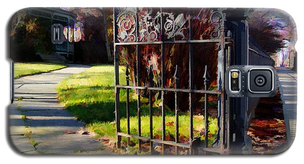 Galaxy S5 Case featuring the photograph The Gate by Betsy Zimmerli