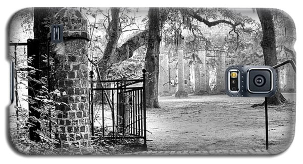 The Gates Of The Old Sheldon Church Galaxy S5 Case