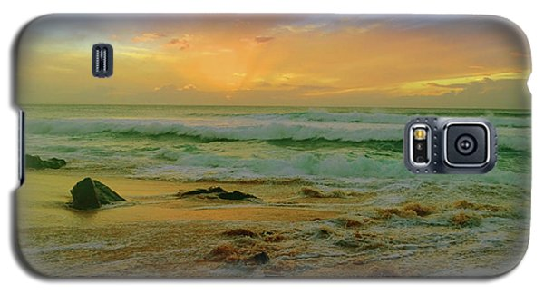 Galaxy S5 Case featuring the photograph The Golden Moments On Molokai by Tara Turner