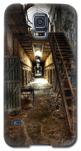 The Hallway Of Broken Dreams - Eastern State Penitentiary - Lee Dos Santos Galaxy S5 Case