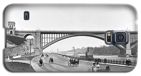 The Harlem River Speedway Galaxy S5 Case by William Henry jackson