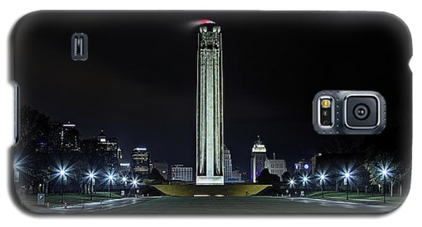 Galaxy S5 Case featuring the photograph The Kansas City Liberty Memorial by JC Findley