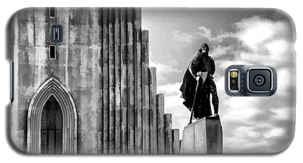 Galaxy S5 Case featuring the photograph The Leader Of Light by Rick Bragan