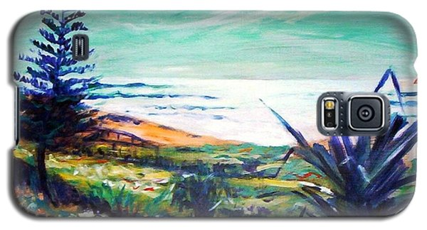 Galaxy S5 Case featuring the painting The Lawn Pandanus by Winsome Gunning