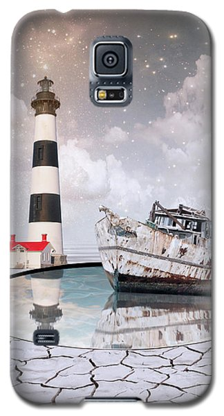 Galaxy S5 Case featuring the photograph The Lighthouse by Juli Scalzi