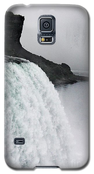 Galaxy S5 Case featuring the photograph The Liquid Curtain by Dana DiPasquale