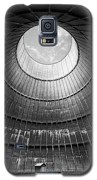 Galaxy S5 Case featuring the photograph the little house inside the cooling tower BW by Dirk Ercken