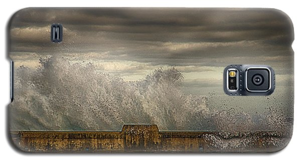 Galaxy S5 Case featuring the photograph The Malecon by R Thomas Berner