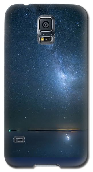 Galaxy S5 Case featuring the photograph The Milky Way And The Egret by Mark Andrew Thomas