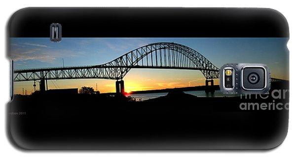 The Miramichi Bridge Sunset  Galaxy S5 Case by Patricia L Davidson
