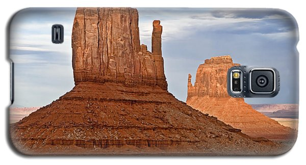 Desert Galaxy S5 Case - The Mittens by Peter Tellone