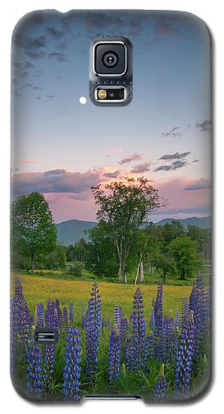 The Moon Rises Above Galaxy S5 Case