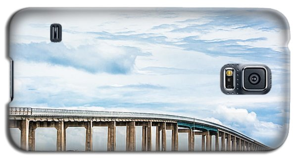 Galaxy S5 Case featuring the photograph The Navarre Bridge by Shelby Young