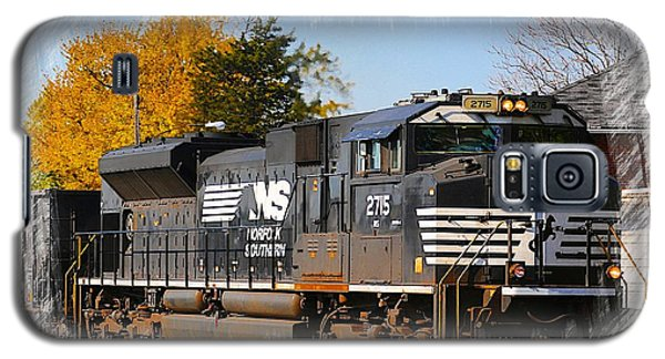 Galaxy S5 Case featuring the photograph The Norfolk Southern by Robert Pearson