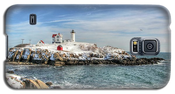 Galaxy S5 Case featuring the photograph The Nubble Light by Adrian LaRoque