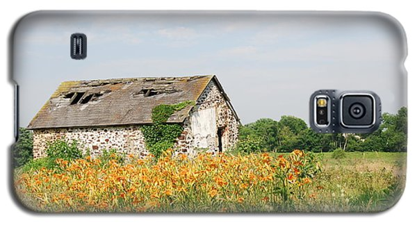 The Old Barn In Moorestown Galaxy S5 Case by Jan Daniels