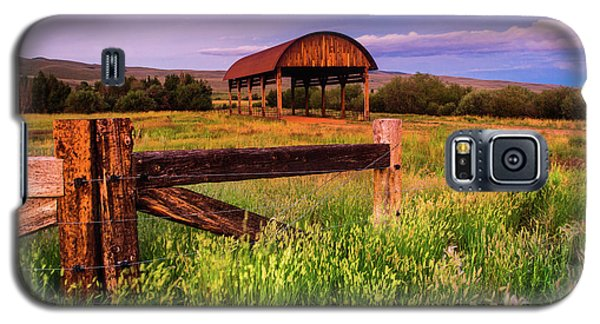 The Old Hay Barn Galaxy S5 Case