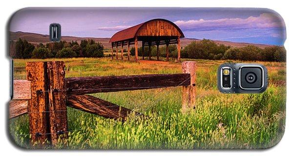 The Old Hay Barn Galaxy S5 Case