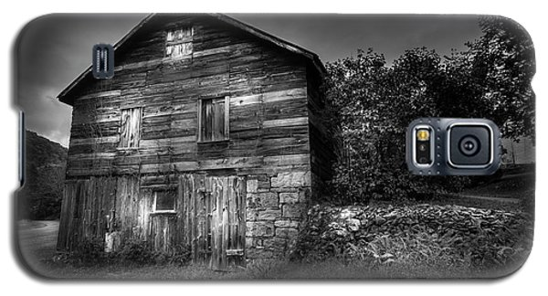 Galaxy S5 Case featuring the photograph The Old Place by Marvin Spates