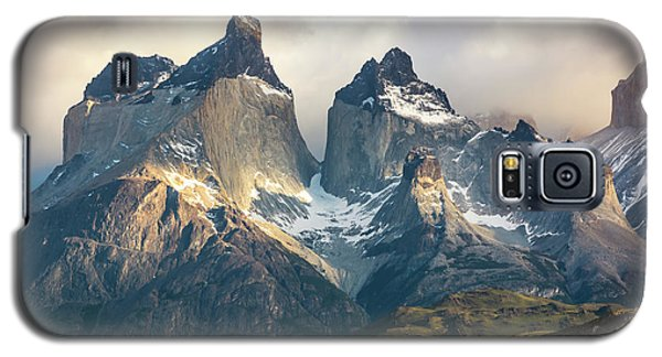 Galaxy S5 Case featuring the photograph The Peaks At Sunrise by Andrew Matwijec