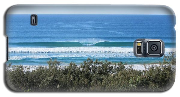 The Perfect Wave Sunrise Beach Queensland Australia Galaxy S5 Case by Chris Hobel