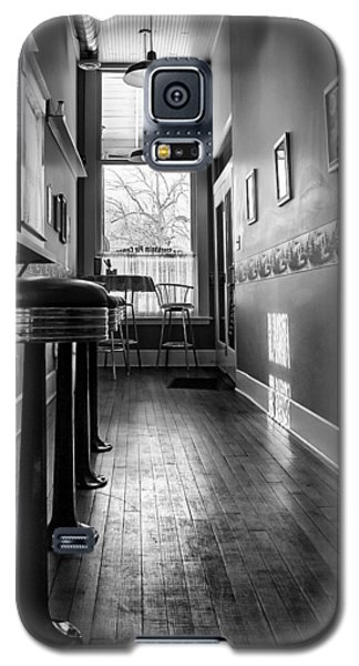 Galaxy S5 Case featuring the photograph The Pie Shop by Dan Traun