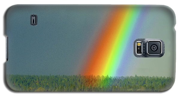Galaxy S5 Case featuring the photograph The Rainbow Apartments by Ben Upham III