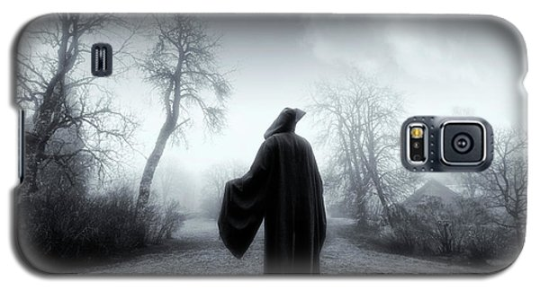 The Reaper Moving Through Mist And Fog Galaxy S5 Case
