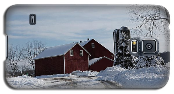 The Red Barn In The Snow Galaxy S5 Case