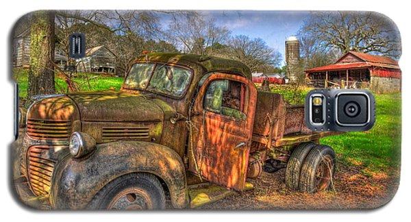 The Resting Place 1947 Dodge Dump Truck Georgia Farm Art Galaxy S5 Case