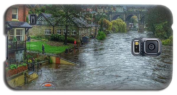 Galaxy S5 Case featuring the photograph The River Nidd In Flood At Knaresborough by RKAB Works