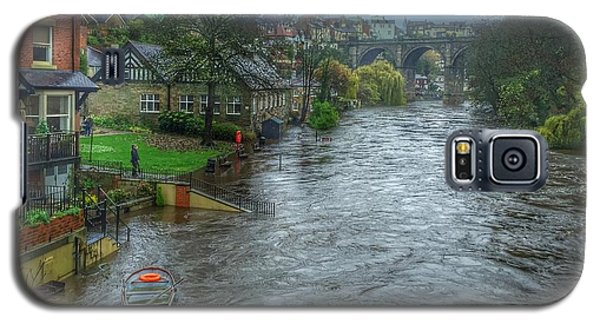The River Nidd In Flood At Knaresborough Galaxy S5 Case