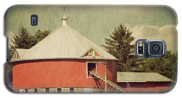 The Round Barn Galaxy S5 Case by Joel Witmeyer