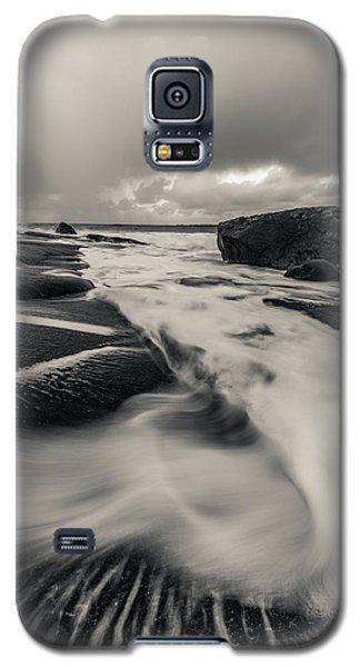 The Rush Of The North Sea Galaxy S5 Case