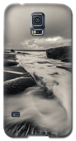 The Rush Of The North Sea Galaxy S5 Case