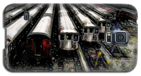 Galaxy S5 Case featuring the photograph The Seven Train Yard Queens Ny by Iowan Stone-Flowers