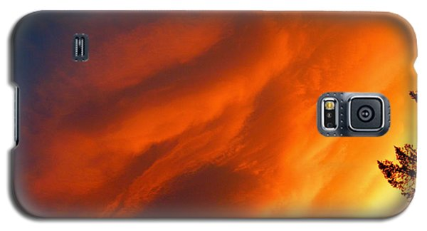 The Sky Is Burning Galaxy S5 Case