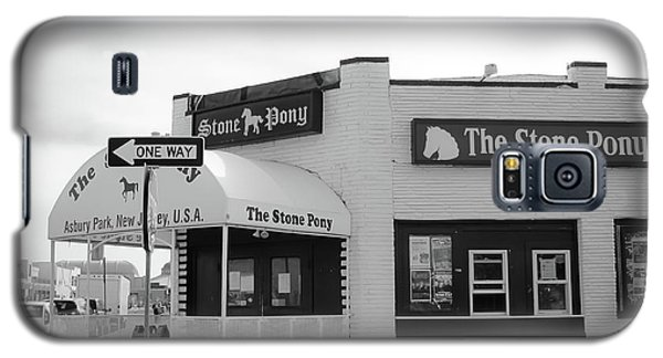 Galaxy S5 Case featuring the photograph The Stone Pony - One Way by Colleen Kammerer