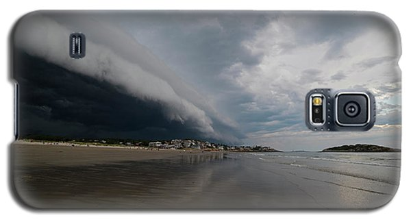 The Storm Rolling In To Good Harbor Beach Gloucester Ma Galaxy S5 Case