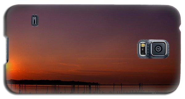 The Sun Sets Over The Water Galaxy S5 Case