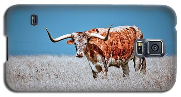 Galaxy S5 Case featuring the photograph The Texas Longhorn by Linda Unger