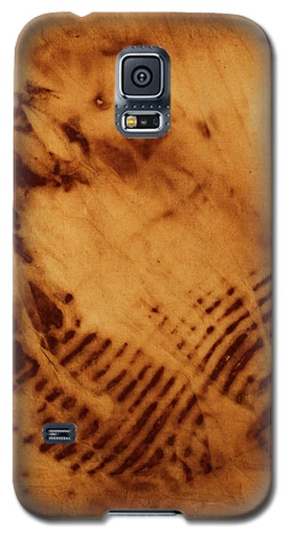 Galaxy S5 Case featuring the photograph The Tulip by Cynthia Powell